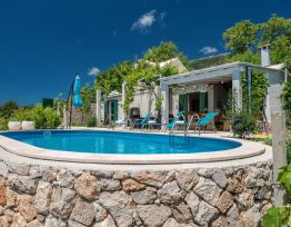 Vacation House Vineyard house Zlatni rat