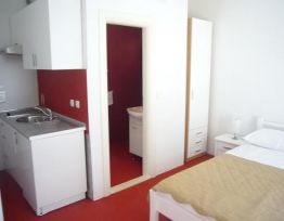 Studio Apartman Red