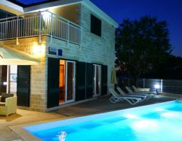 Vacation House Vila Tin