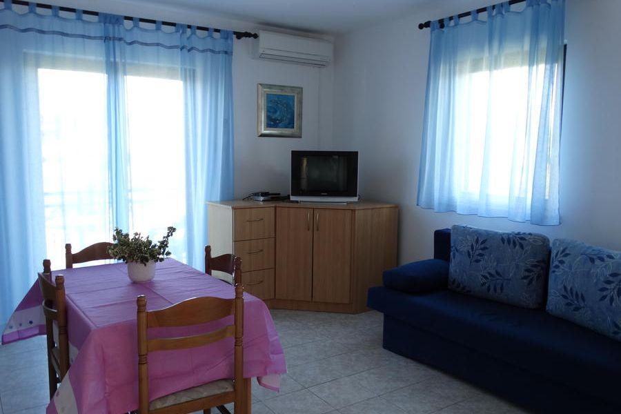 Apartment Karmela