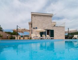 Vacation House Vila Dino