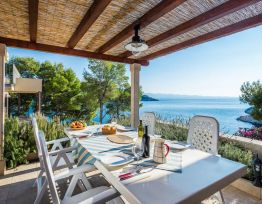 Appartamento 25m from Private Beach, Swimming Pool, Sea-view Balcony, Private Parking
