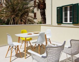 Ferienwohnung Riva Mare 2-2 BR apt center large terrace 2 batrooms pet friendly