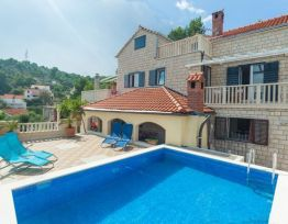 Vacation House Dalmatinska vila