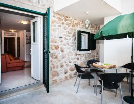 Ferienhaus Holiday Home Amela★Dalmatian style house★BBQ★terrace