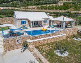 Vacation House Villa Blue Sky
