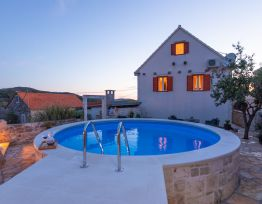 Vacation House Villa Ragazza