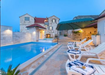 Holiday home Škrika with heated pool