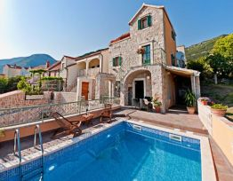 Vacation House Villa Mare