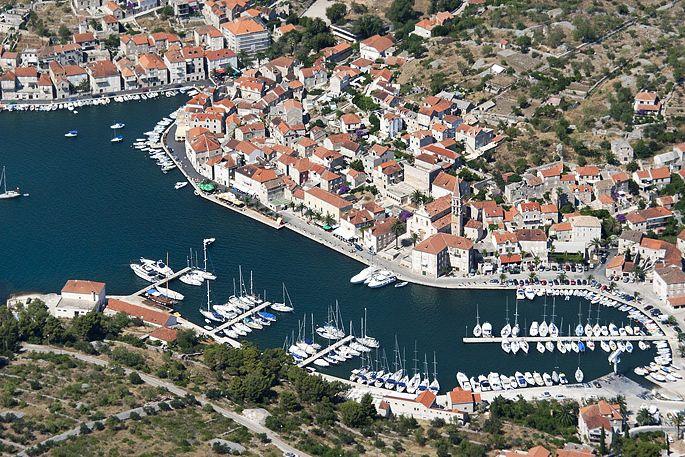 (E,H) Property for Sale, Croatia, Island of Brac, Town of
