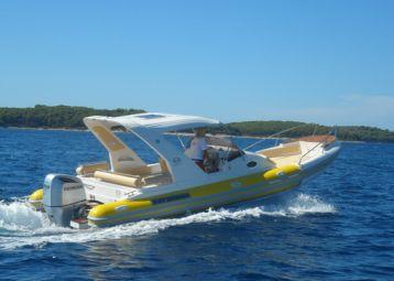 Rent a boat, Bol island Brač
