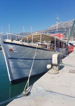 Boat trip Postira - Supetar - Omis - Radman's mills