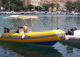 Rent a boat, Supetar